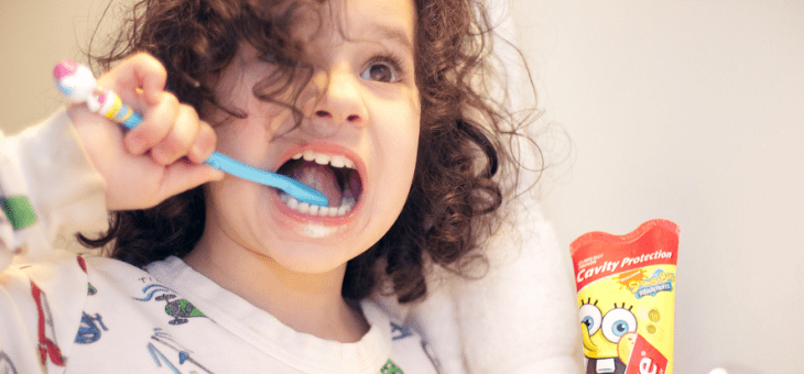 Toddler Teeth: Tips for Teaching Your Toddler How to Use a Toothbrush