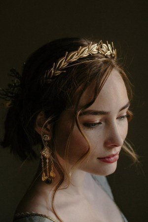 VICTORY LAUREL LEAF WEDDING DIADEM