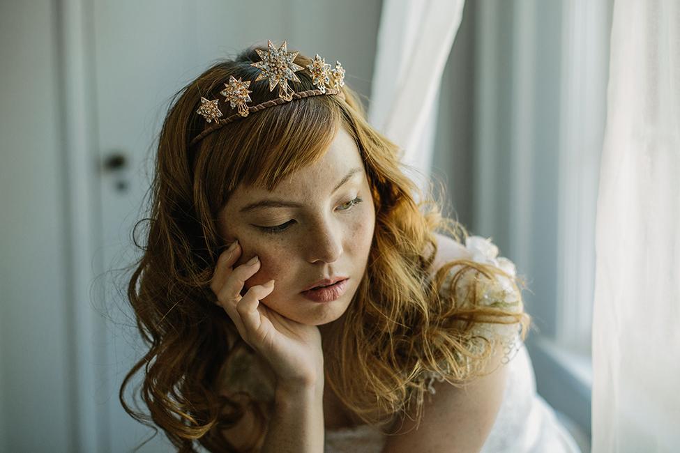 https://ericaelizabeth.com/product/star-crystal-wedding-tiara/?attribute_color=SILVER