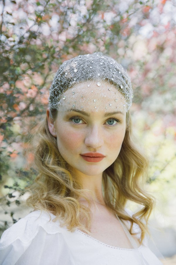 LEGEND SILVER NET CRYSTAL DOTTED CAP