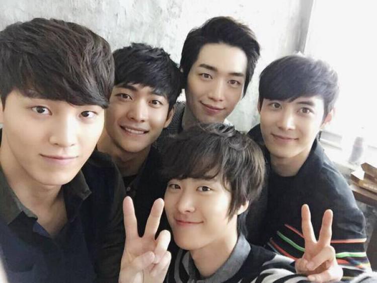 5urprise:唯一、徐康俊、孔明、姜泰伍、李太奐