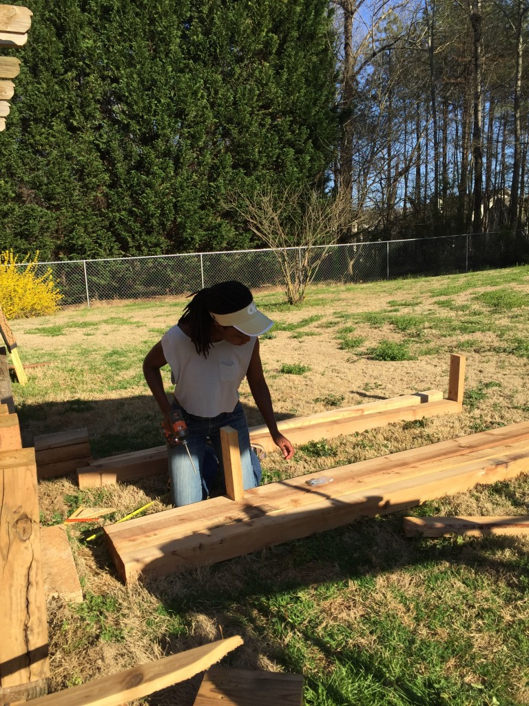 DIY Florida Weave for raised garden beds