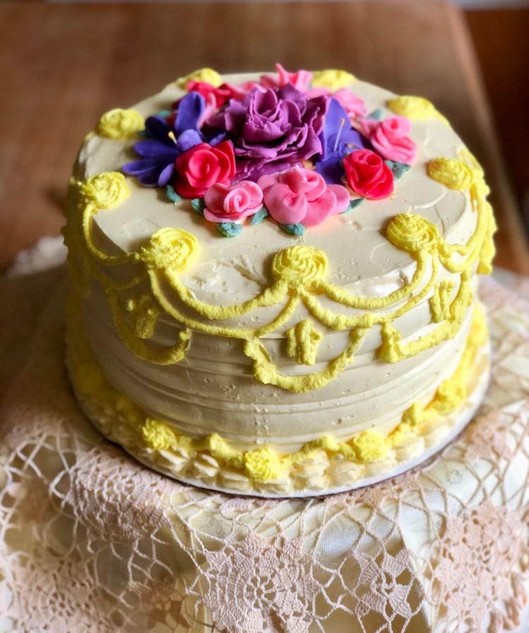 Strawberry Compote and Mascarpone Cream Layered Vanilla Cake with Vanilla Buttercream © 2018 ericarobbin.com | All rights reserved.
