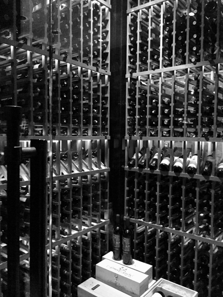 Del Frisco's Double Eagle Steak House wine cellar © 2018 ericarobbin.com | All rights reserved.