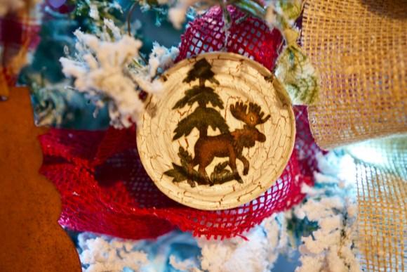 Mason jar lid Christmas ornament © 2018 ericarobbin.com | All rights reserved.