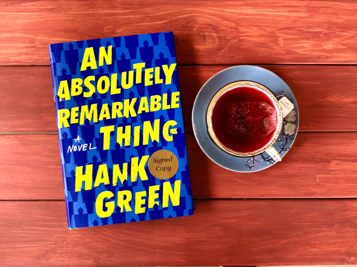 An Absolutely Remarkable Thing by Hank Green © 2018 ericarobbin.com | All rights reserved.