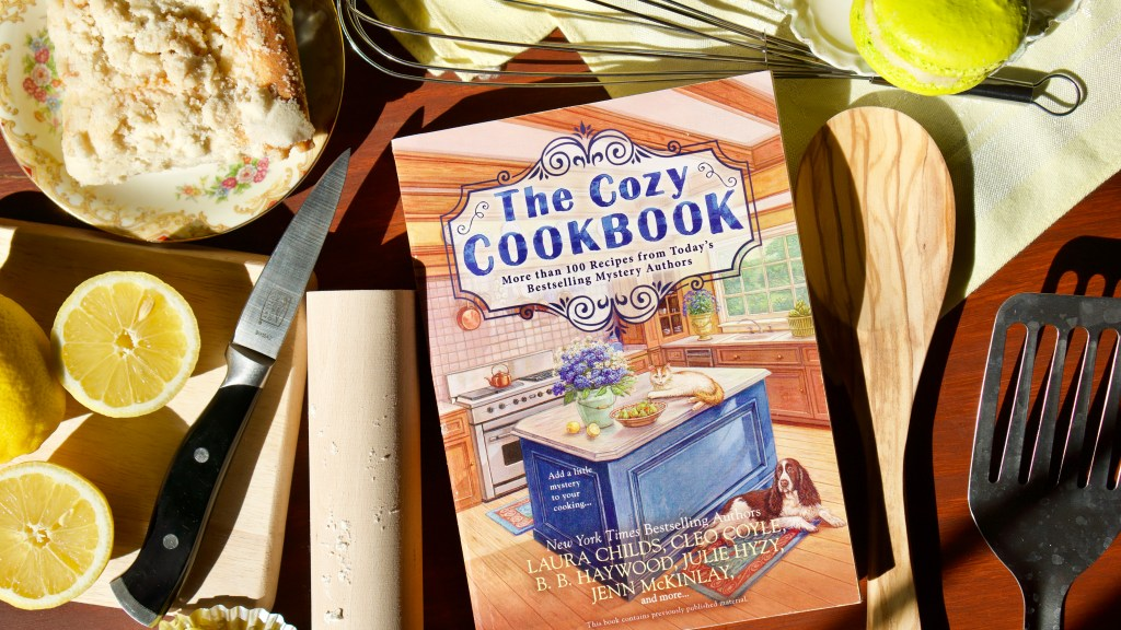 The Cozy Cookbook by Julie Hyzy | Erica Robbin
