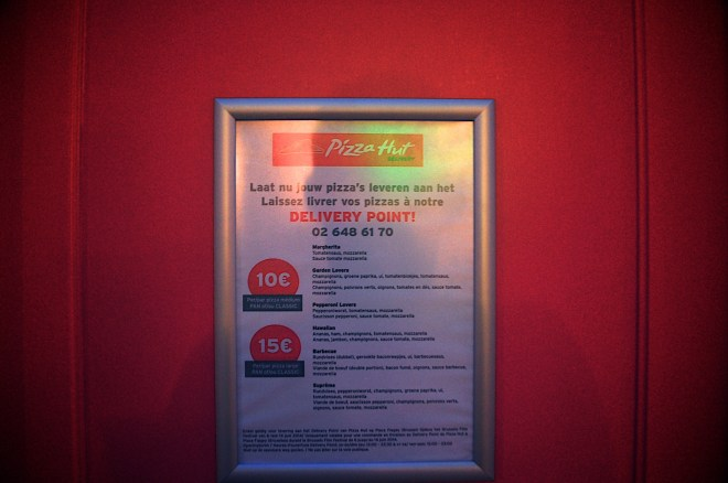 pizza-hut-delivery-point-menu-marketing-belgium-brussels