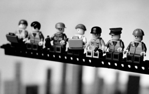 The Most Famous Street Photographs Recreated with Legos