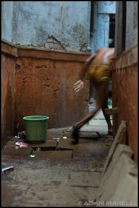 """""""Bucket Bath"""" - Adam Marelli (75mm APO-Summicron)"""