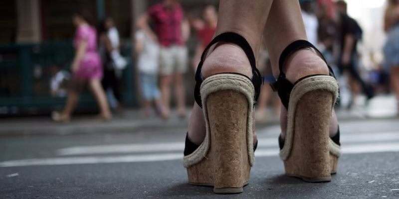 15 Inspirational Images of Shoe Street Photography by the Community