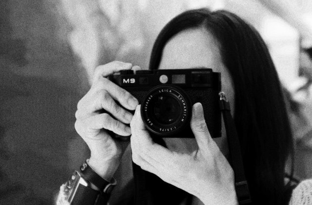 Beverly Komatsu - Shooting with a Leica M9 at my workshop
