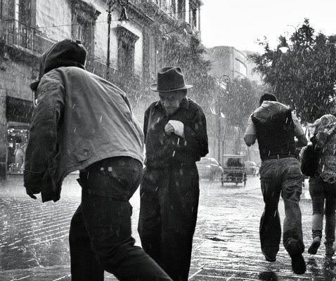 """The Top 3 Winners of """"The Decisive Moment"""" Street Photography Contest"""
