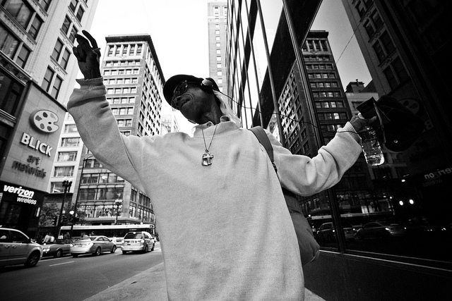 10 Street Photography Tips from an Anonymous Street Photographer