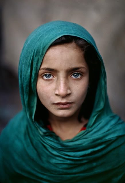 """One-Minute Masterclass Advice from Steve McCurry: """"Don't Forget To Say Hello"""""""