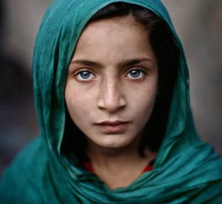 "One-Minute Masterclass Advice from Steve McCurry: ""Don't Forget To Say Hello"""