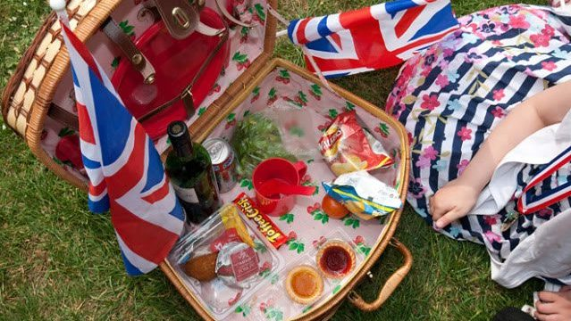 """A Royal Picnic"": Documenting the Royal Wedding via Food Culture by Tiffany Jones in London"