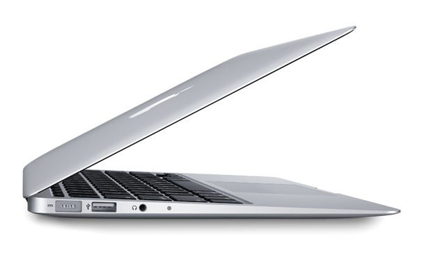 11'' Macbook Air, the perfect travel companion