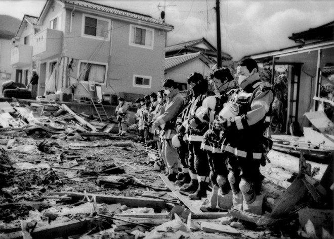Delano_FotoEvidence_Black_Tsunami_003