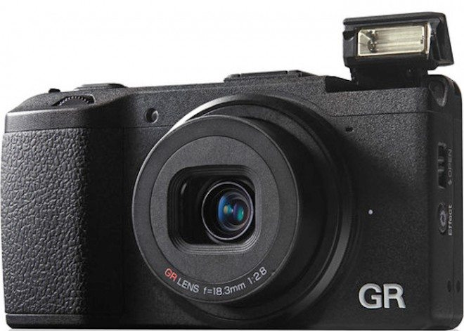 ricoh grd v flash