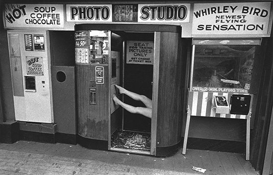 Photo Booth, Coney Island 1978. © Harvey Stein