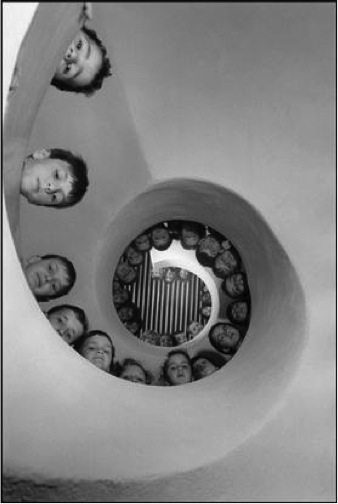 Martine Franck / FRANCE. 1965. Clamart. Library for children.