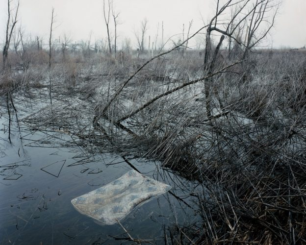 alec soth- sleeping by the missippi4