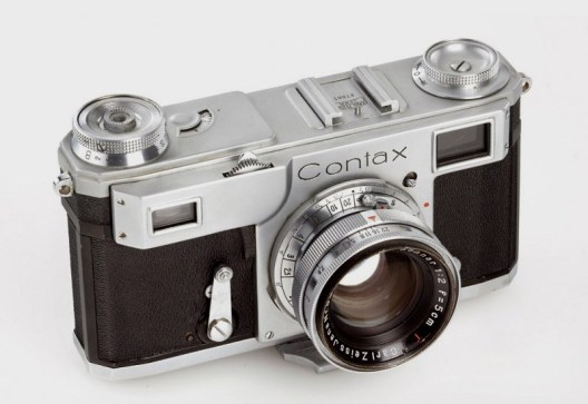 Contax II, the camera Capa used during this period.