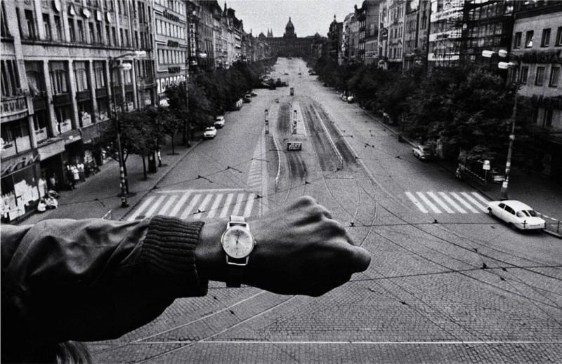 The Ultimate Beginner s Guide for Street Photography     Street Photography  Prague  1968  Josef Koudelka   Magnum Photos