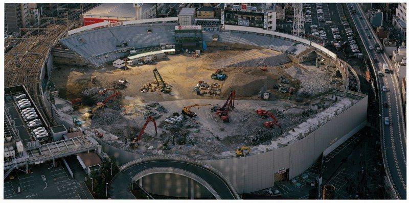 Untitled, Osaka, left part of diptych, 1998-1999, 2000 © Naoya Hatakeyama