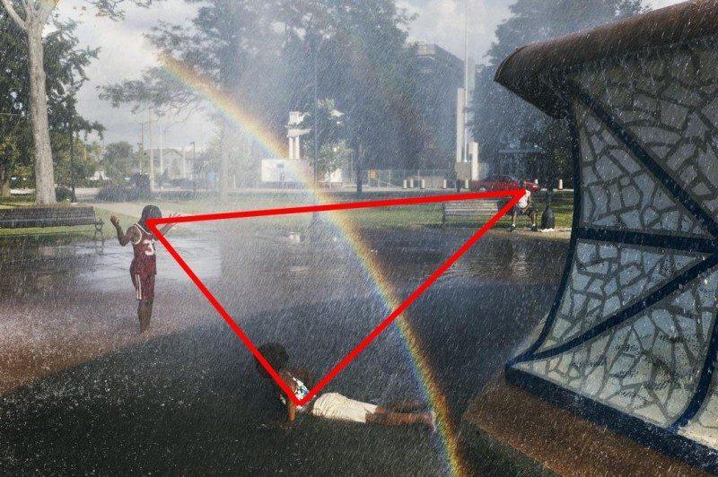 NYC108010-triangle