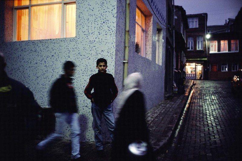 TURKEY. Istanbul. 2001. Street scene in Ayvansaray.