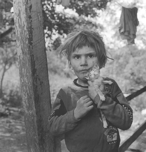 Christopher and his kitten, photo by Mary Ellen Mark