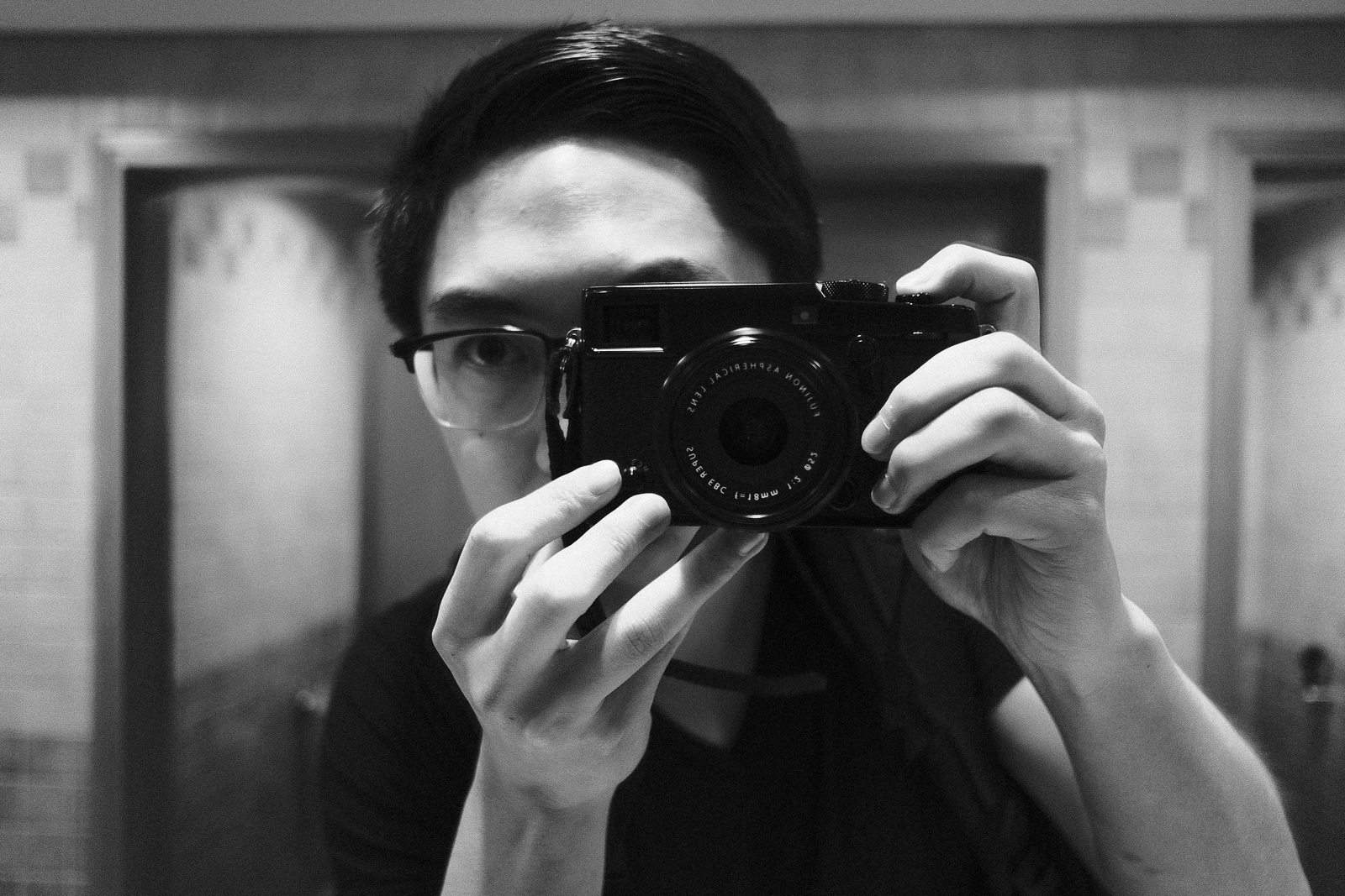 Review of the Fujifilm X-Pro 2 For Street Photography