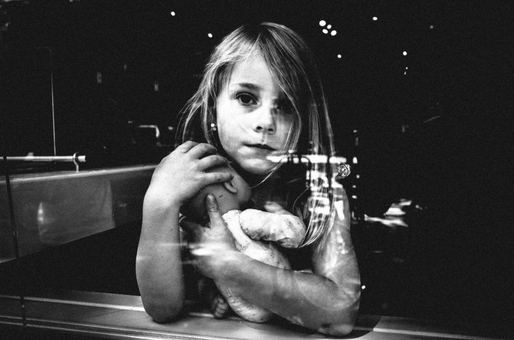amsterdam__eric kim street photography girl doll window