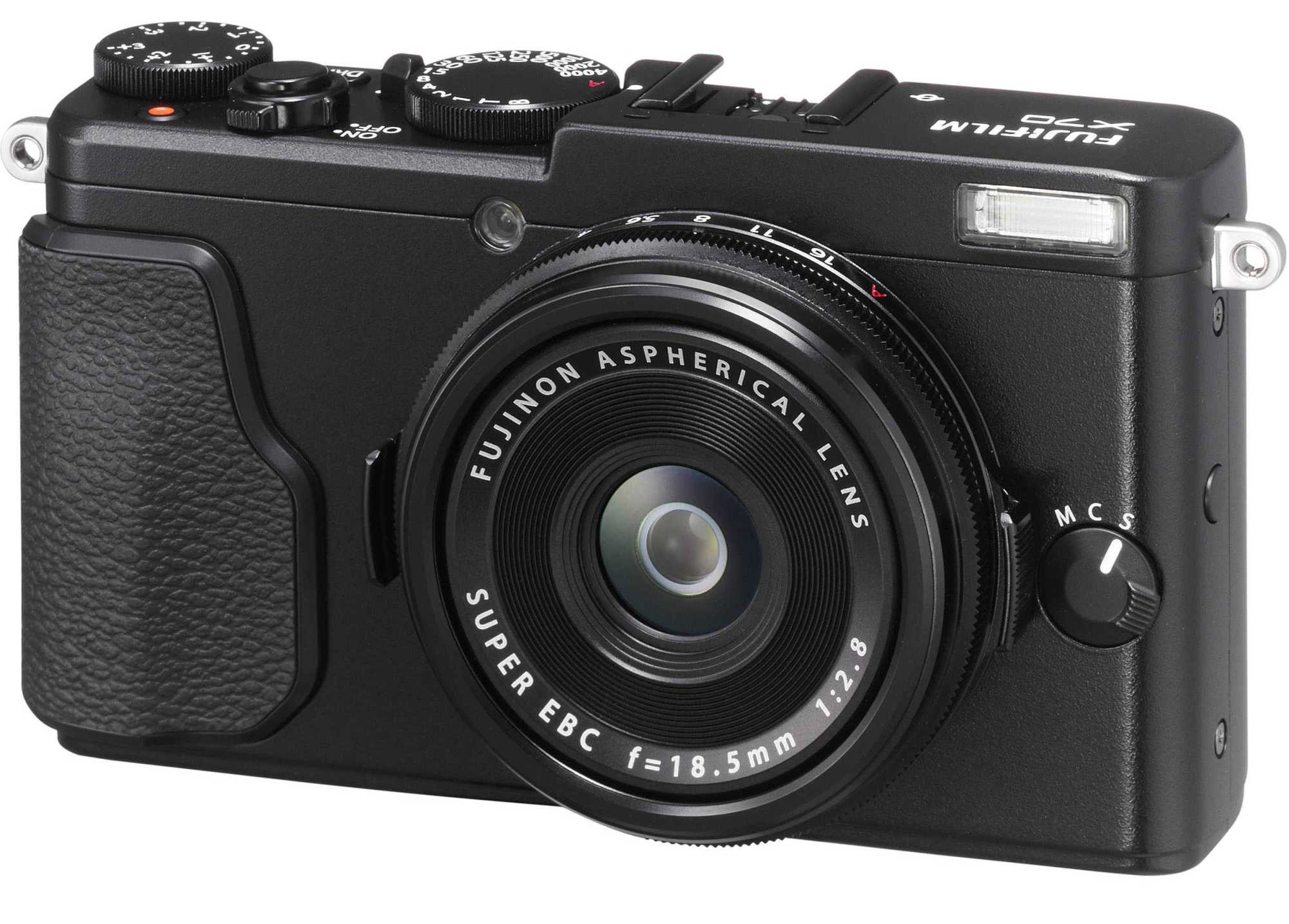 Review of the Fujifilm X70 For Street Photography