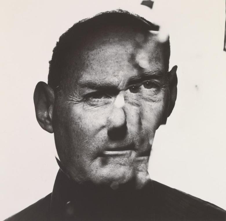 Self-portrait of Irving Penn © Irving Penn Foundation