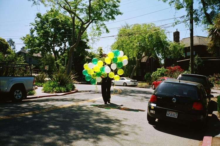 stephen-leslie-balloon-seller