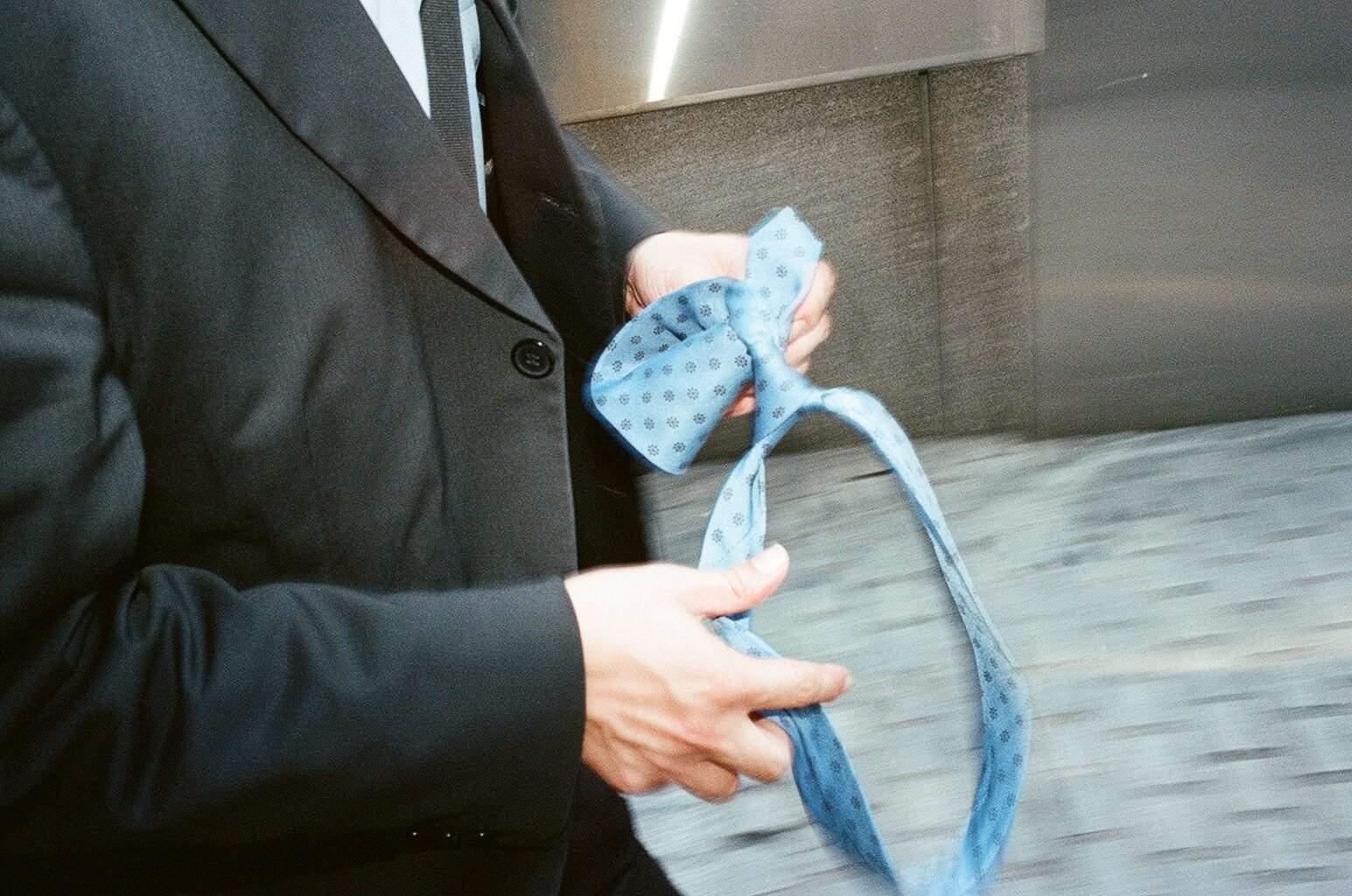 eric kim suits - street photography - flash - necktie