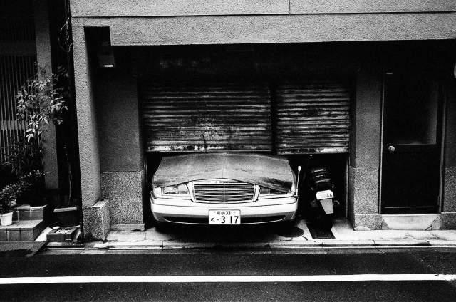 kyoto-car-old-school-2015-film-trix-1600-eric-kim-street-photograpy-black-and-white-monochrome-19