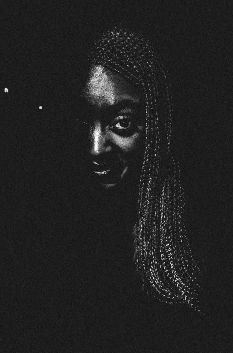 0-eric-kim-street-photography-portrait-braids-nyc