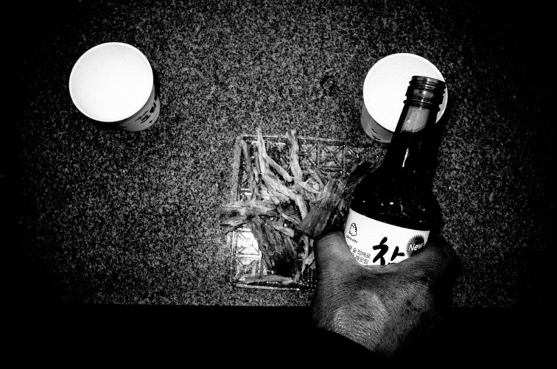 Soju for my grandfather, grave, busan, 2016