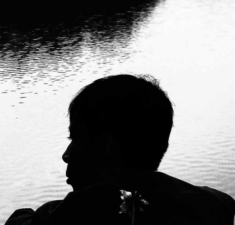 0-silhouette-side-face