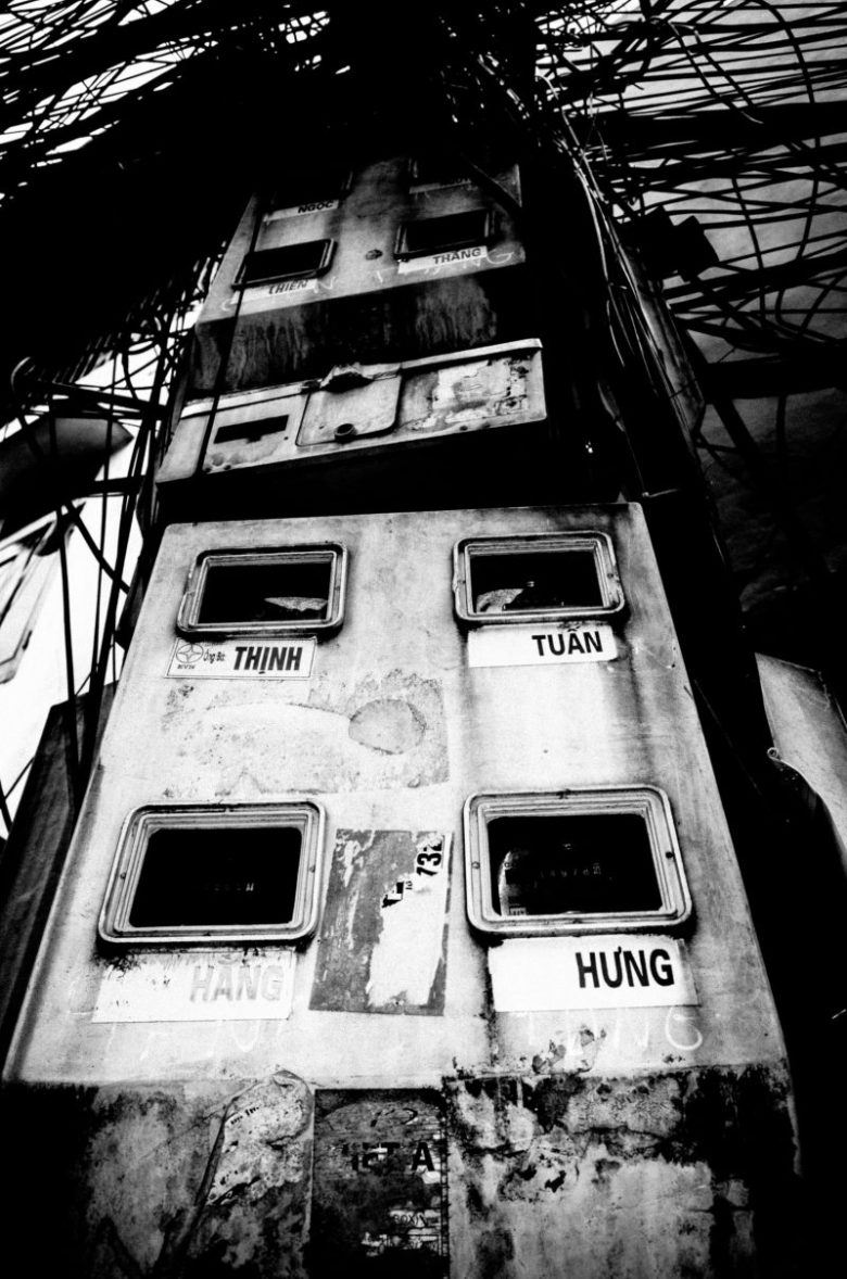 abstract low angle composition eric kim street photography hanoi-0001921
