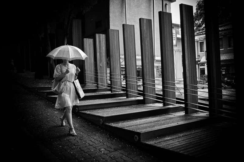 eric kim street photography umbrella seoul woman