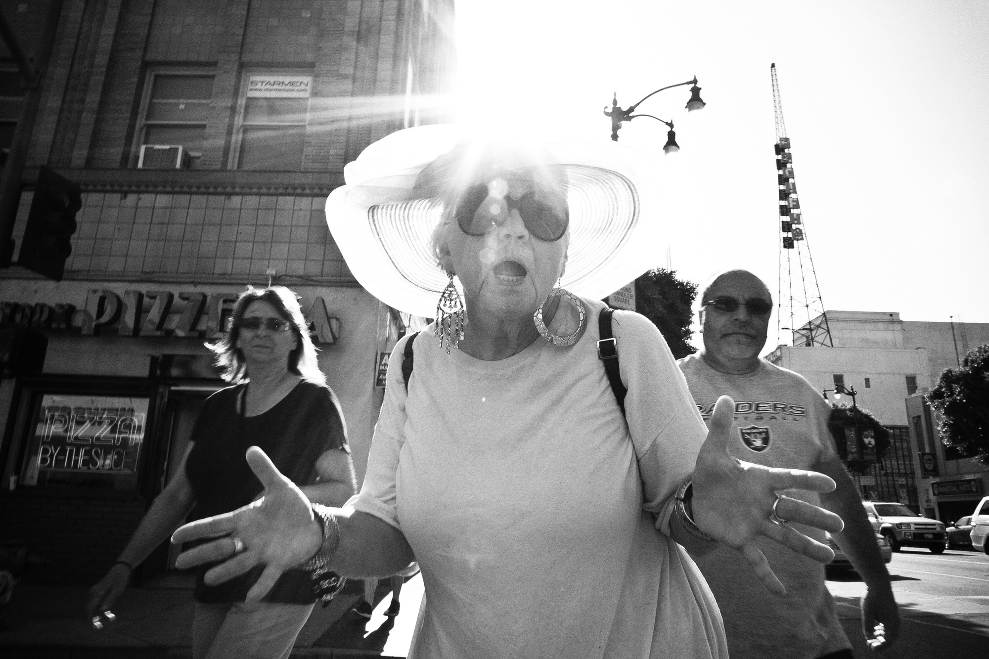 eric kim street photography - the city of angels - black and white-1-jazz-hands-flash-hollywood.jpg