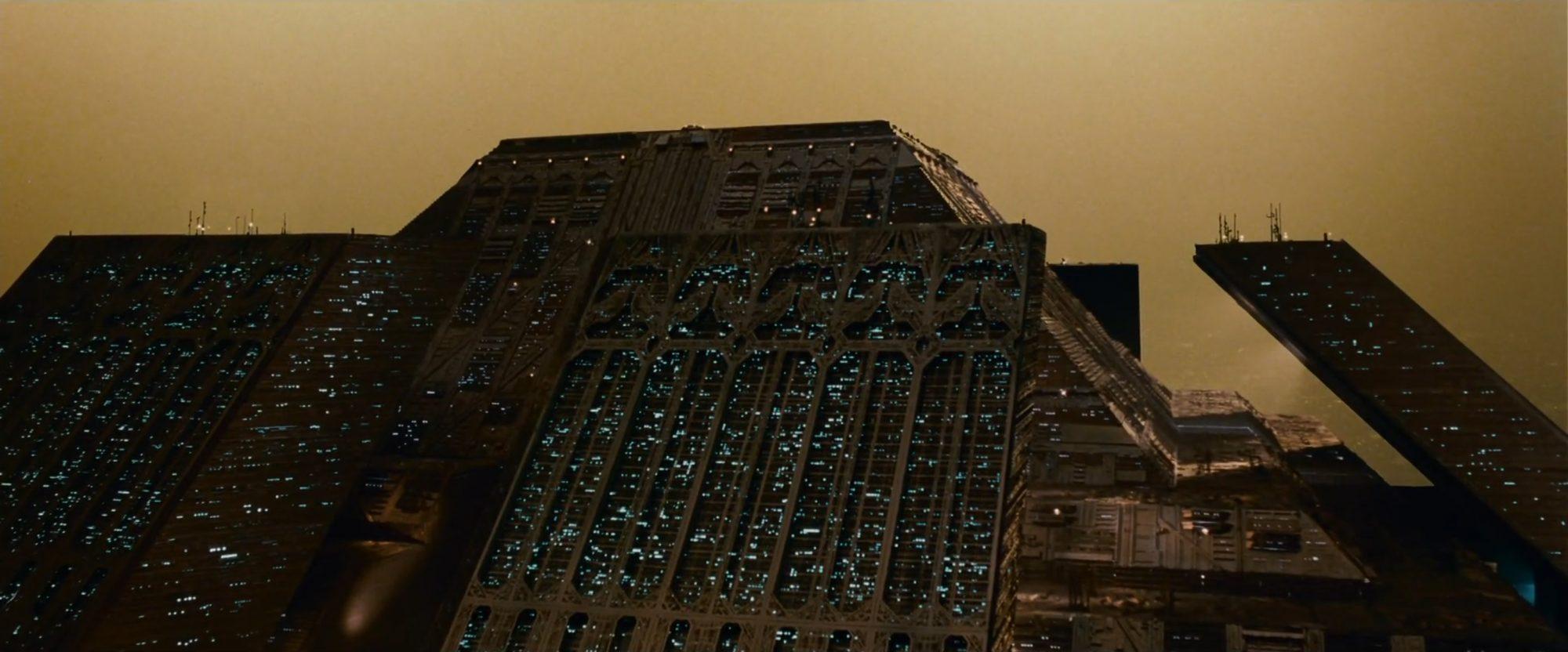 Urban landscape still from Blade Runner