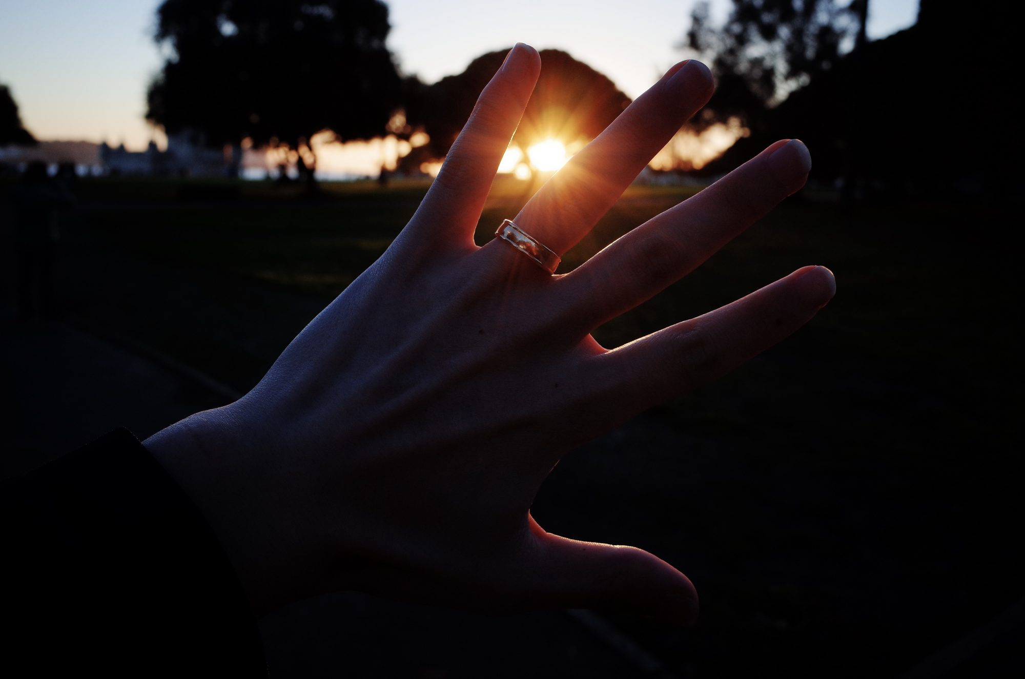 Hand sunset ring Lisbon