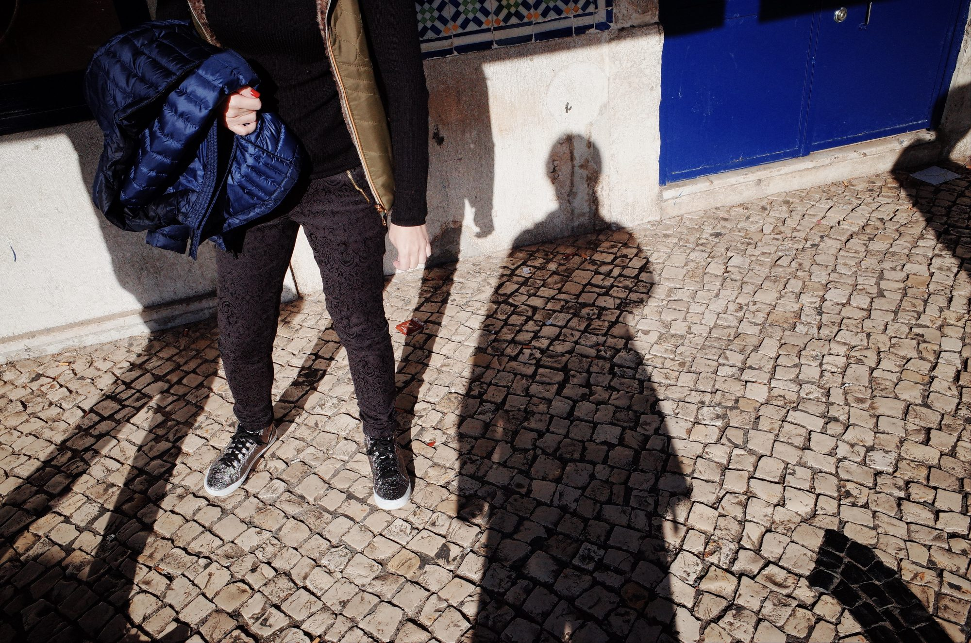 Selfie and blue. Lisbon, 2018