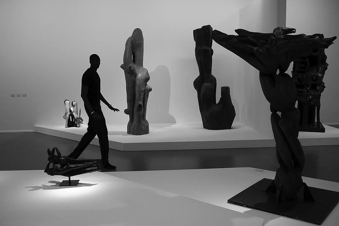 Silhouette. 2009